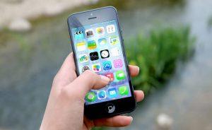 usando iphone con mapas locos de apple
